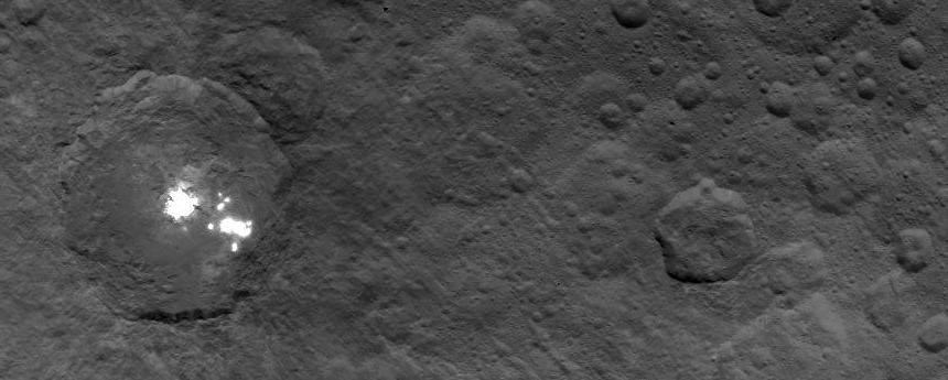 Dawn view of bright spots in a crater on Ceres