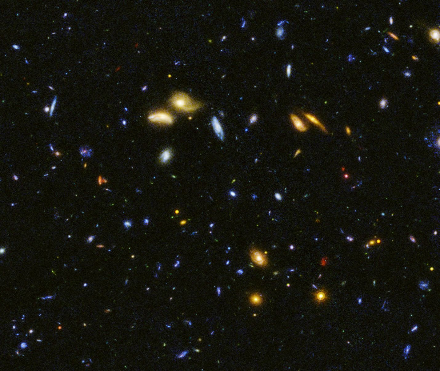 HST view of galaxies near the Big Dipper