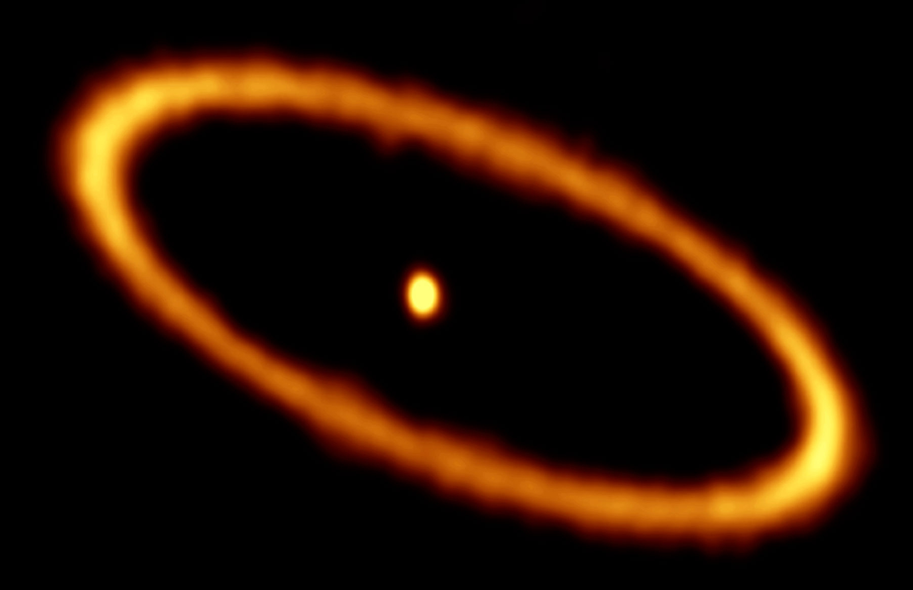 A ring of rubble encircles the star Fomalhaut