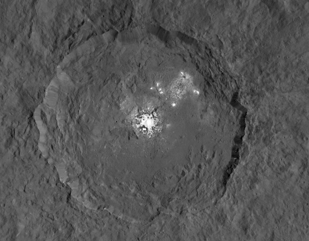 Dawn view of the white spots on Ceres