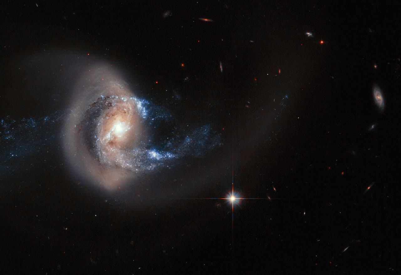 Hubble image of the aftermath of a galactic collisio