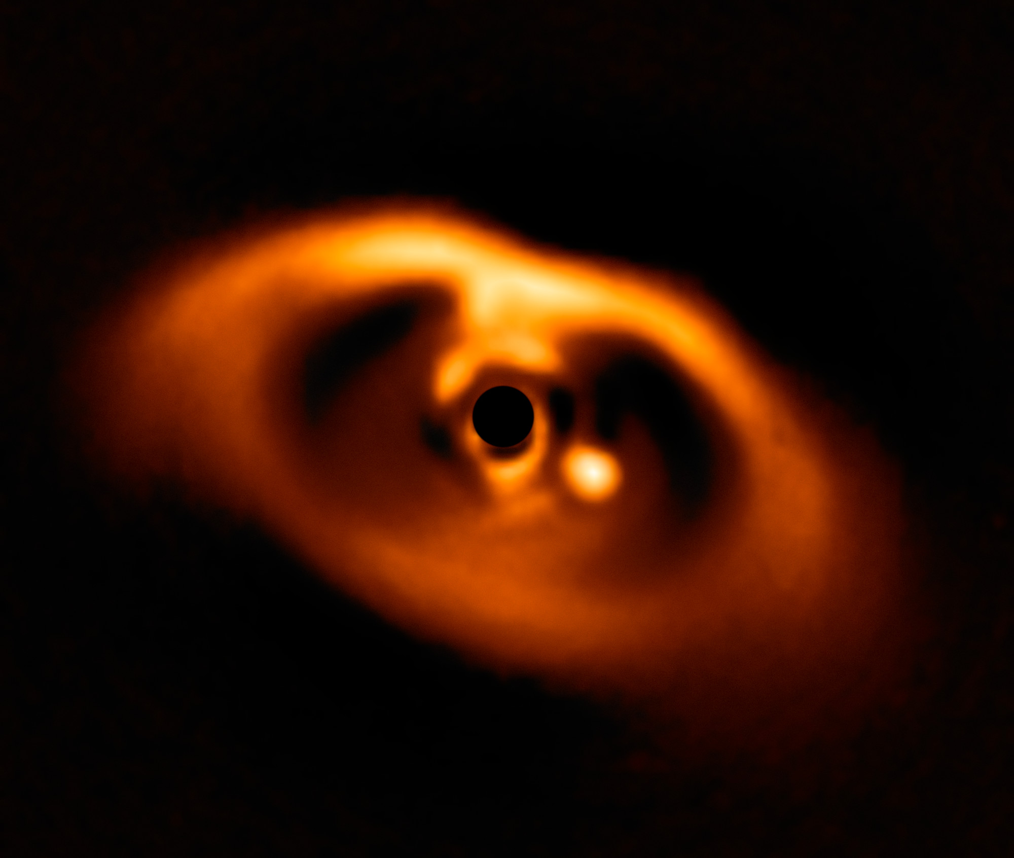 VLT view of young planet orbiting the star PDS 70