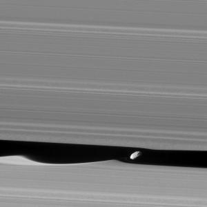 The moon Daphnis stirs up Saturn's rings