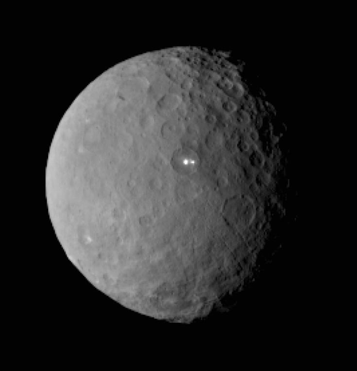 Dawn image of mysterious bright spots on Ceres, February 19, 2015