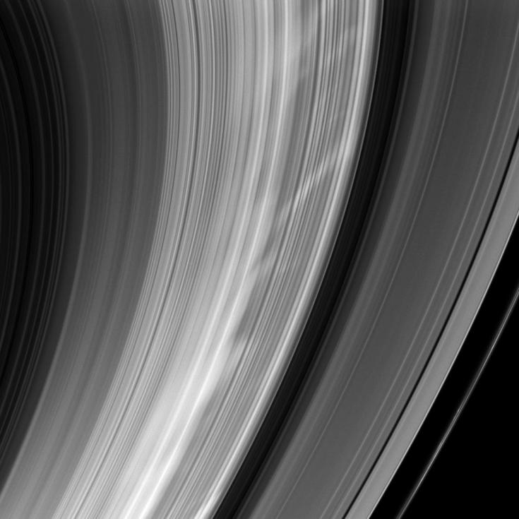 bright spokes in Saturn's rings