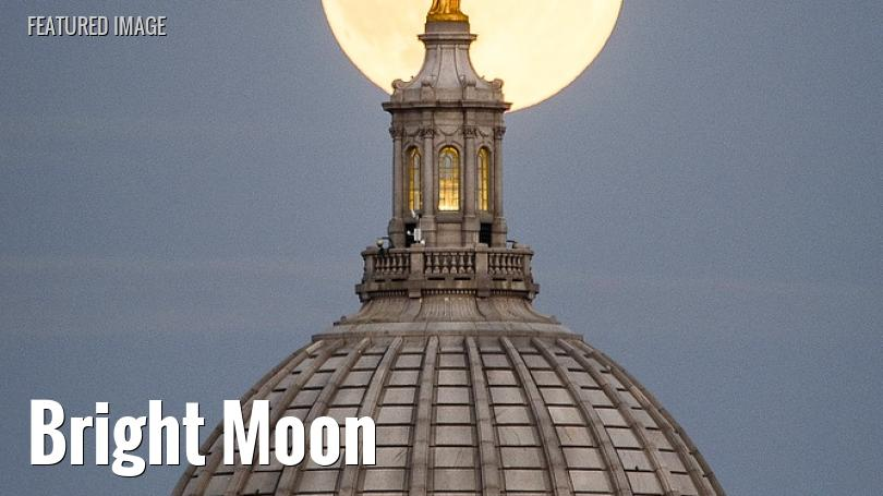 Full Moon behind the Wisconsin state capitol, September 2015