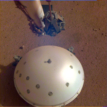 InSight seismometer on Mars
