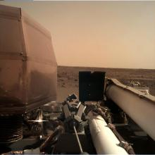 Early image of Mars from the InSight lander